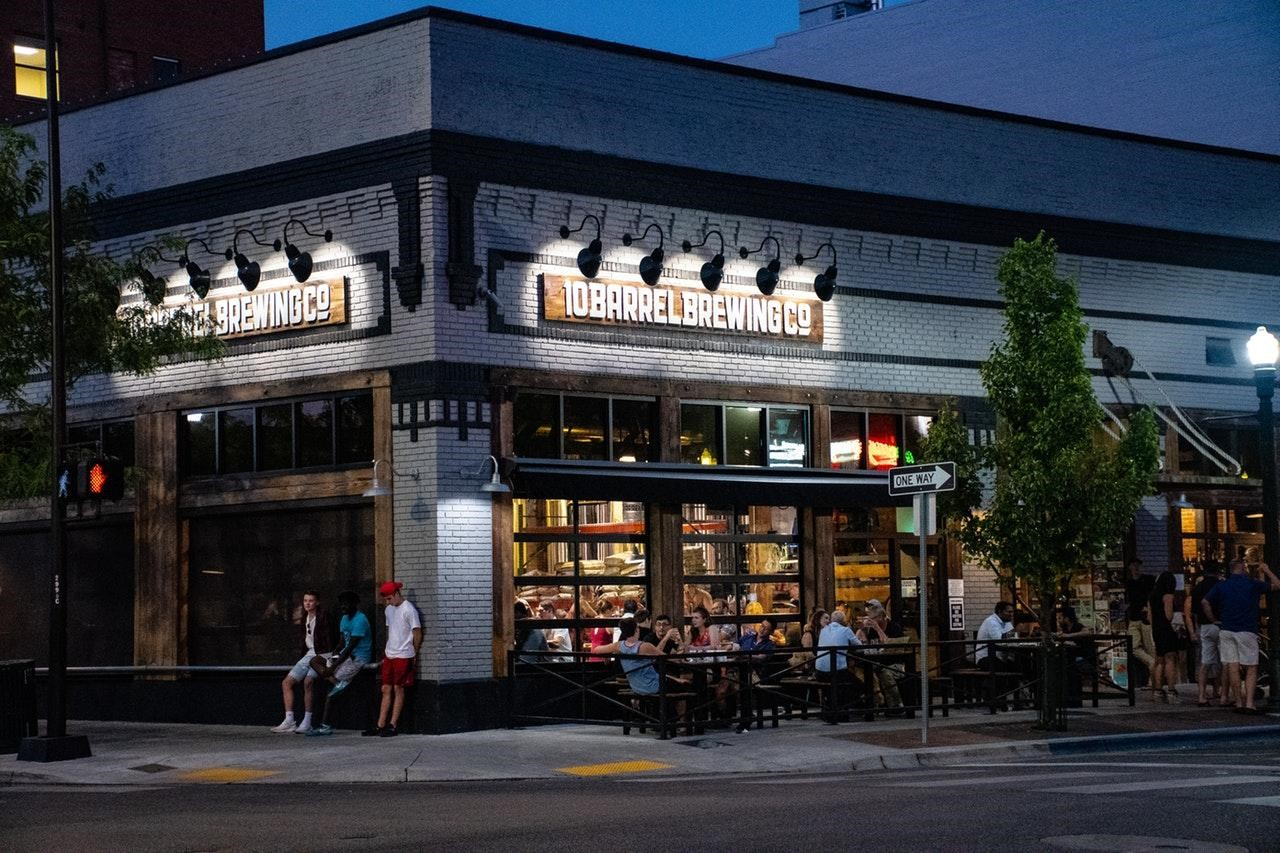Geek Insider, GeekInsider, GeekInsider.com,, Can Scheduling Software Help Restaurants Close the Buddy Punching Pay Gap?, Geek Life