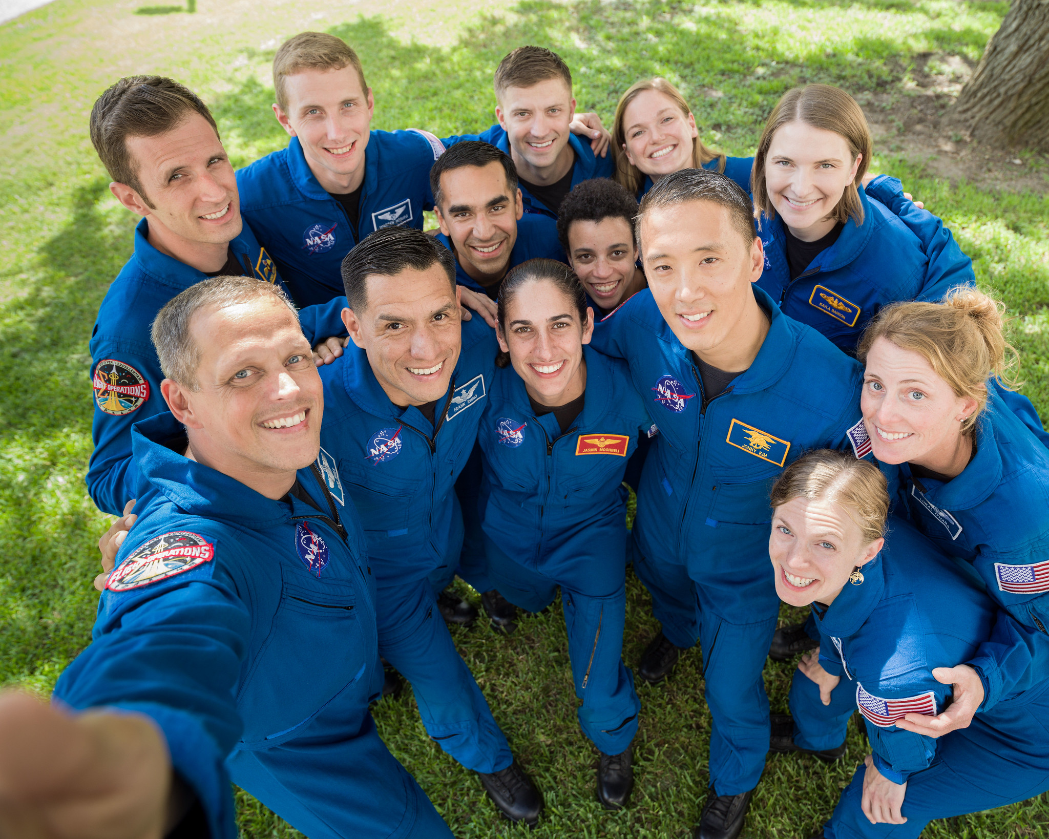 Geek Insider, NASA astronaut graduates 2020, Artemis program, venturing into space, International Space Station, ISS, merej99, Meredith Loughran