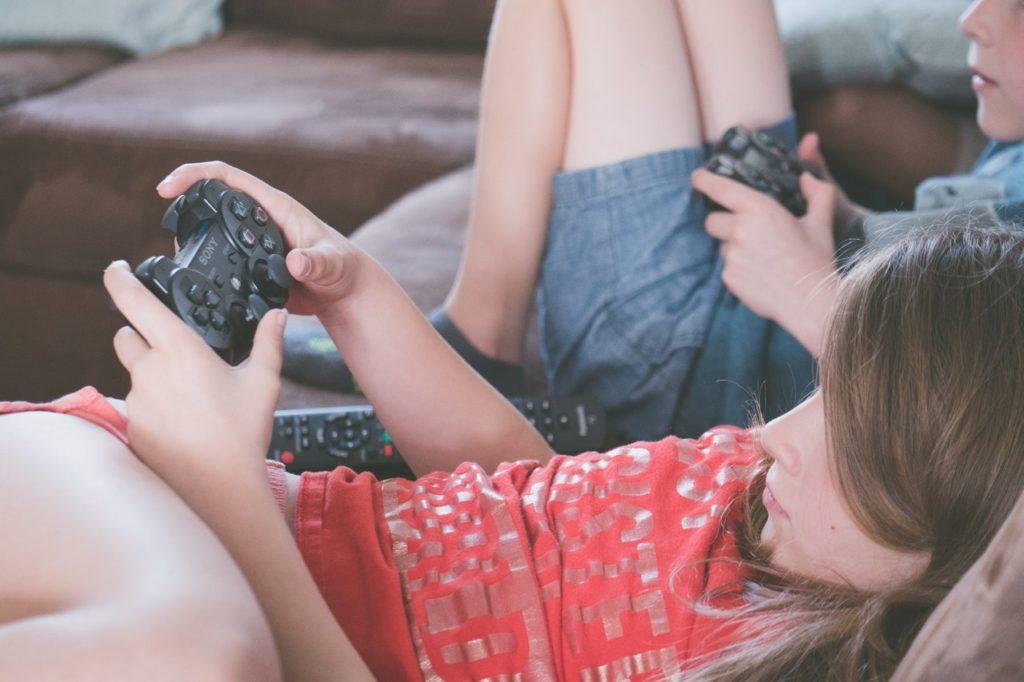 Geek Insider, GeekInsider, GeekInsider.com,, 5 Ways Playing Computer Games Makes You Smarter, Gaming, Geek Life