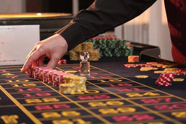 online gambling, geek insider