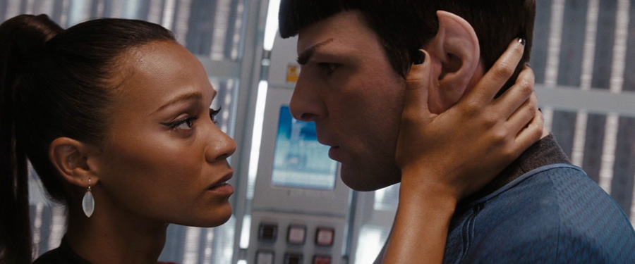 Spock-and-Uhura-in-love